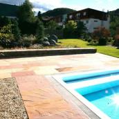 Terrassen Sandstein Pool