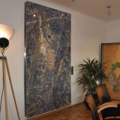 Steinbild Wand beleuchtet
