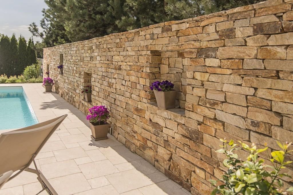 villa in kalkstein referenz von schubert stone. Black Bedroom Furniture Sets. Home Design Ideas